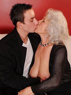 Free Kissing Porn Pics