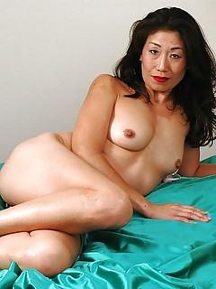 Latina ass n pussy