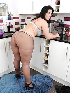 Free Pantyhose Porn Pics