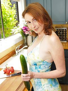 Free Housewife Porn Pics