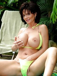 Free Bikini Porn Pics
