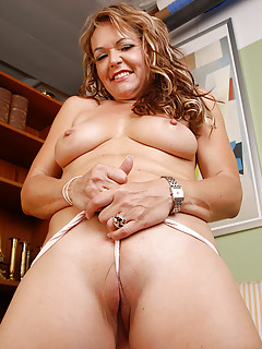 Free Camel Toe Porn Pics