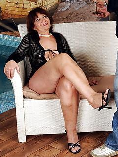 Free Legs Porn Pics