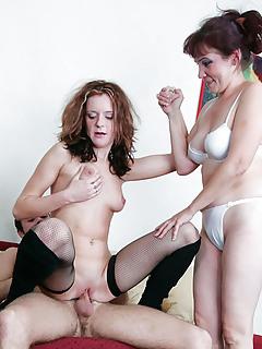 Free Threesome Porn Pics