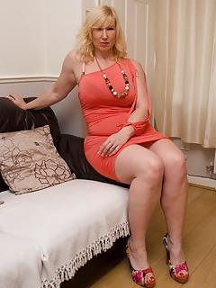 Free English Porn Pics